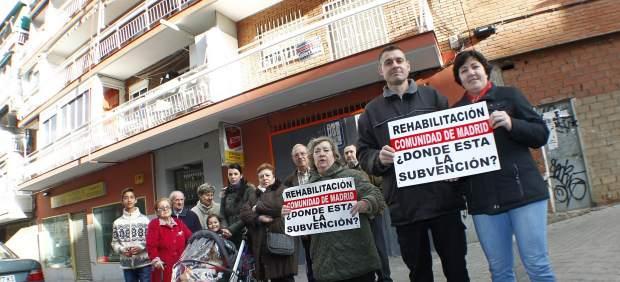Vecinos afectados por la cancelación de la ayuda a la rehabilitación